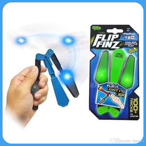 Nova Flip Finz Fidget Spinner Brinquedos Azul Vermelho Verde Twirl Flip Light Up Com LED OVP Endless Viciante Fun Assorted Brinquedos Para adolescentes