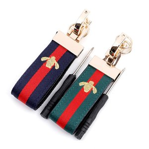 Fashion New Brand Keychains Holder Car Key Rings for Women Men Bee Design Bag Key Chain Charm Man Keyrings Fobs Trinket Jewelry Gifts