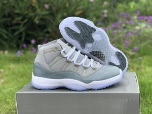 Meilleure version 11s Gris moyen Gris Cool White Basketball Chaussures Designer Comfort XI réel en fibre de carbone Chaussures Mode Taille US8-12