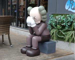 KAWS 4FT disséqués COMPAGNON KAWS 1m Position assise Grande figurine poupée conception originale Kake décoration d'ameublement Livraison gratuite