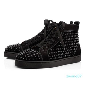 Nouveau chaussures de marque cloutées Spikes mode en cuir rouge de chaussures des femmes des hommes de luxe Party Lovers sneakers taille 36-46 avec boîte Z07