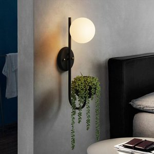 Nordic New Designer Retro Bedroom Glass Ball Plant Decoration LED Lámpara de pared Mesita de noche Restaurante Lámparas de pared Envío gratis