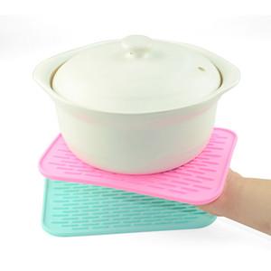 Cuisine Manique Table Mat Isolation Silicone Placemat résistant à la chaleur Bouilloire Pad Téléphone Voiture non-Slip Pad Thicken Coaster BC BH1255