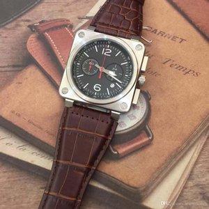 Low key boîtier carré Forme Hommes Cadran en fibre de carbone Les montres à quartz batterie style sport 46MM montre avec bracelet en cuir brun