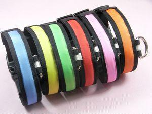 LED nylon Pet collier de chien d'éclairage de nuit Avertissement de sécurité anti-perte Collier LED Glowing Pet Dog Leash S M L XL HHA878