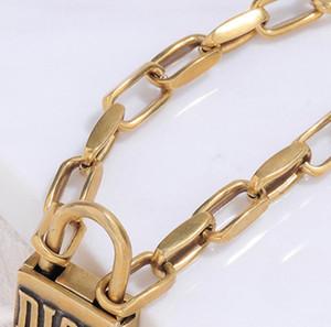 Jahrgang Schloss Short Halskette Women Verschluss Designer Brief Kettenhalsketten-Armband-Satz für Geschenk-Partei-Qualitäts-Schmuck