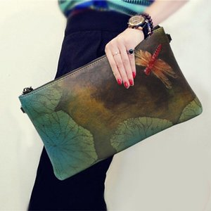 Style de National Dragonfly Feuille Lotus peint à la main des femmes sac souple en cuir Zipper Top Vintage Clutch Wallet Sacs à bandoulière Crossbody