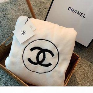 Blanket luxo moderno estilo clássico de Moda Marca algodão bordado branco Cor Cobertores alta qualidade macia Home Textiles 15