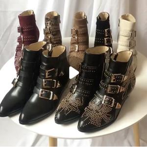 Роскошные Сюзанна шипованные пряжки ботильоны для женщин Мартин зимний ботильон натуральная кожа замша дизайнерские сапоги коренастый каблук боевые сапоги