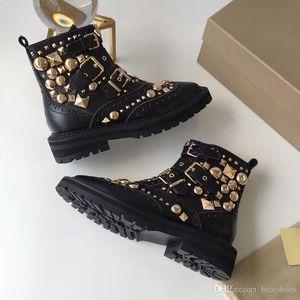 Moda Lüks Tasarımcı Ayakkabı Metal Dikenler Kadınlar Bilek Martin Boots Kare Düz Platformu Şövalye Motosiklet hakiki Deri Çizme Boyut 35-41