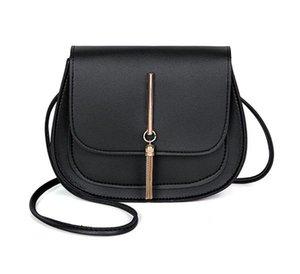 2020 Designer Handbags New Arrival Tassel Small Round Bag Ladies Crossbody Female Saddle Bag