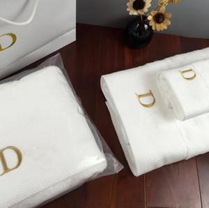 드는 브랜드 목욕 수건 자수 디자이너 브랜드 광장 수건이 비치타올,목욕 수건 3 개 1 세트는 부드러운 편안한 면 직물