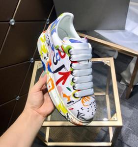 Zapatos de plataforma originales de cuero para amantes del diseñador Zapatos de cordones para hombres con cabeza de fantasma flecha zapatillas de graffiti Hombre Zapatos 35-46