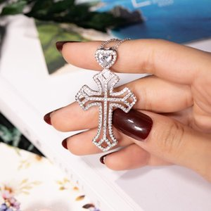 Colar Pingente novo 925 Sterling Silver Exquisite Bíblia Jesus Cruz por Mulheres Crucifixo Charme Coração Platinum Diamond Jewelry