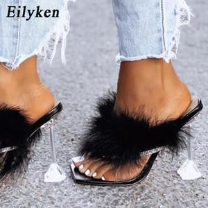 Eilyken été Chaussons femmes Furry Diapositives Fashion Square Toe Transparent talons Perspex strass Sandales Femme Tongs Chaussures