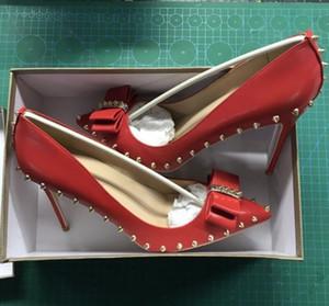 scatola originale 8/10/12 cm Pompe da donna sexy di alta qualità Punta a punta rivetto Papillon Sottili tacchi alti Scarpe da sposa fondo rosso Scarpe taglia grande 45