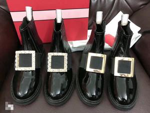 Sıcak satış-Kadınlar Deri Bilek Boots Tasarımcı Metal Kristal Toka Kadınlar Boots Siyah Kayma-On High Top Düz Boots Lüks Rugan Ayakkabı