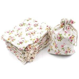 50pcs Floral serapilheira Drawstring Bags, Linen Gift Bag Embalagem armazenamento de linho Jóias Bolsas Sacks para Wedding Party Christmas Show