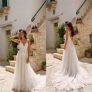 Hot Sale Bohemian Wedding Dresses Sexy V-neck Backless Appliqued Lace Ruched Bridal Gown Beach Custom Made Sweep Train Bridal Dress Cheap