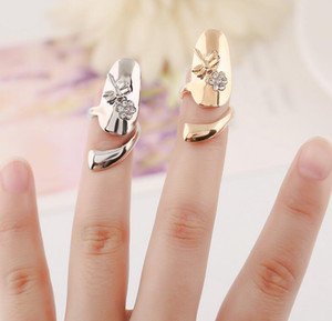 10 adet / grup Nefis Sevimli Retro Kraliçe Yusufçuk Tasarım Rhinestone Erik Yılan Altın / Gümüş Yüzük Parmak Tırnak Yüzükler Epacket ücretsiz gemi