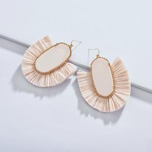 Mode Frauen Designer inspiriert Kendra Stil Oval Stein RAFFIA STROH Fan Fringe baumeln Drop Anweisung Ohrringe für Frauen