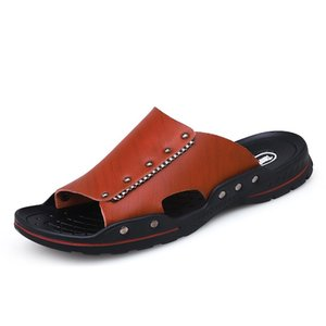 2020 New Style Comfortable Men Slipper Fashion Men Summer Slides Male Type Beach Shoes Massage Slippers Sandal for Men Chinelos