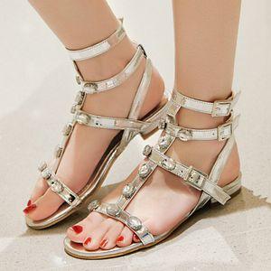 Rhinestone Gladiator sandálias mulheres Plano Casual qualidade Moda Praia Sandálias Ladies Sexy Gold Silver Verão Sapatos Mulher