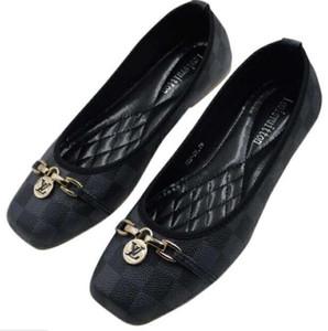 Ayak terlik kadın Düz ayakkabı büyük boy 35-42 terlik sandalet ile kauçuk taban web kauçuk kayış ile kadın moda kapalı çevirme 03