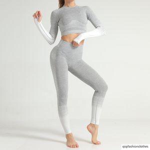 Seamless Suit Vestuário Yoga Feminino Stripes Knitting Hip elevação Elastic Força da aptidão do exercício Vestuário Yoga