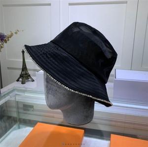 Fashion Designer Mens ricopre i cappelli di lusso per gli uomini donne Paillettes Stile casuali di marca Caps dotate di TV modello