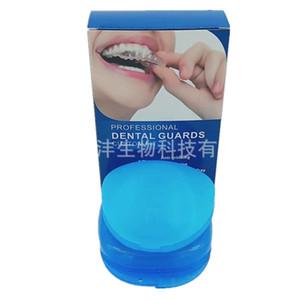 Mouth Guard per digrignamento dei denti 2 Taglie 4 Pieces Paradenti modellabile Notte Guardia di molatura di denti di guardia notturna Elimina Bruxismo