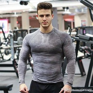 New Men T-Shirt Мужская мода T Shirt Одежда Gyms Printed Elastic Tight Spandex Человек O шеи Top Мужчины Tee Фитнес Бодибилдинг Tops