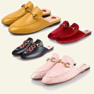 2019 Designer de moda sapatos casuais para o seu pé e confortável Cinto Novo Couro Genuíno Horsebeit Loafers Scuffs Chinelos Sandálias