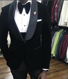 Yeni Popüler Bir Düğme Siyah Kadife Düğün Damat Smokin Şal Yaka Groomsmen Erkekler Örgün Balo Suits (Ceket + Pantolon + Yelek + Kravat) W215