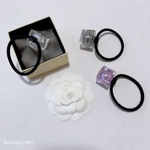 Nuevos artículos Classic Fashion Big Pearl Jelly Head Ball Balls Cuerda de pelo C Pelo Tie para la colección de damas Artículos de lujo Adorno de pelo Regalo VIP
