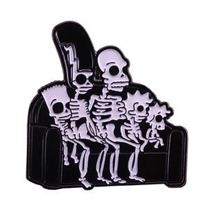 Симпсоны рентген эмали контактного привидения скелет искусство значок кушетка череп семья брошь смешной Хэллоуин аксессуар