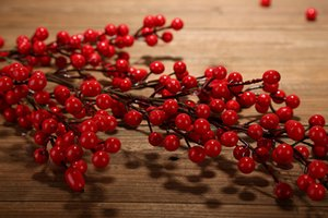 Eco Friendly 90cm Pe Berry Fruta Roja Planta Bayas Flor Artificial Cerezo Rojo Ramas Flor Navidad Decorativa