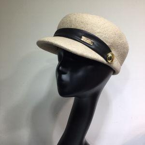 Женская Берет Темперамент Simple Lady Газета Hat New Style Limited Time Promotion Бесплатная почта Hat wsj5388y4