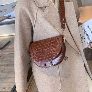 2020 Roupa Mulher New Bag Mulheres Vintage Meio Círculo Messenger Bag Coverd Pu couro elegante fêmeas de um ombro Shell Bolsas
