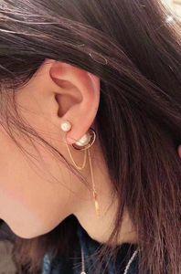 2019 Ms. latest hot-selling style earrings. Fashion ladies style. Brand designer style. Pearl decorative pendant earplugs.