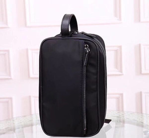Nuevo bolso de embrague del diseñador al por mayor para los hombres las mujeres cosméticos bolsa bolsa de lavado de almacenamiento organizador de viajes grande para los hombres constituyen el hombre caso cosmético del monedero