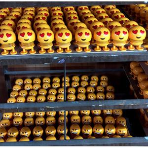 2019 Новое Прибытие Улыбка Emoji Встряхивая Куклы Автомобиль Украшение Аксессуары Весенние Игрушки Стол Стол Куклы Головоломки Забавные Игрушки