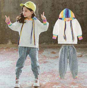 Çocuk Giyim Girls'Early Sonbahar Kız Koreli Sürümü Batılılaşmış Jeans Suit Çocuk Renkli Şapka Suit Wear Suit