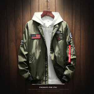 Mens Bomber Jacket Men Fashion American Flag Patch Disegni Pilot Jacket Nastri Zipper Pocket Baseball uniforme Cappotto maschile