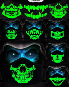 1Pcs Baumwolle Staubdichtes PM2.5 Anime-Karikatur schwarzer Maske Mund Frau Men Night Glow In Dark Schädel Mund Masken Halb Muffle Gesichtsmaske