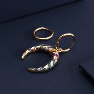 Pendientes rayado colorido asimétrico con 925 diamantes micro Set Media Luna arco diseño exótico tribu pendiente
