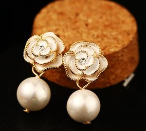Wholesale- Classic fashion designer camellia flower elegant pearl pendant dangle chandelier stud earrings for woman silver pin