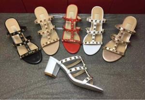 El más nuevo diseño de lujo 2019 Mujeres de cuero Sandalias Slingback Bombas Damas Sexy tacones altos Moda remaches zapatos 8 colores