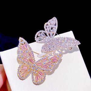Stilvolle rosa Zirkonschmetterlingsbrosche für Frauen mit silberner Zirkonmontage-Kristallhochzeit