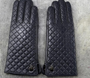 Donne inverno Pelliccia di Pelliccia di Lusso I Softs di Brand Moda Guanti di marca Diamond Lattice Coniglio Soft Warm Sheepskin Sheepskin Sexy Drive Locomotive Rider Gloves